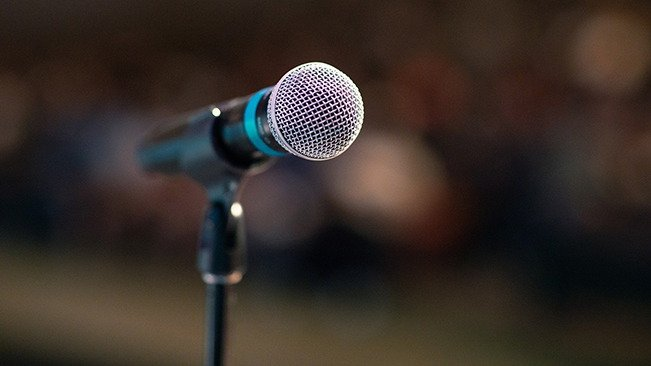 Moderation und Vorträge Mikrofon